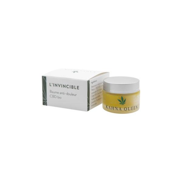 Le beaume L'Invincible, grâce à l'energie solaire accumulée en macération, à le pouvoir regénérant des fleurs de CBD, millepertuis et consoude, couplé à la cire d'abeille. Contenant les huiles essentielles de gaulthérie, lavandin, eucalyptus citroné et fleur d'immortelle; il apaise les douleurs musculaires et autres courbatures. Il favorise la récupération et à un pouvoir hydratant.